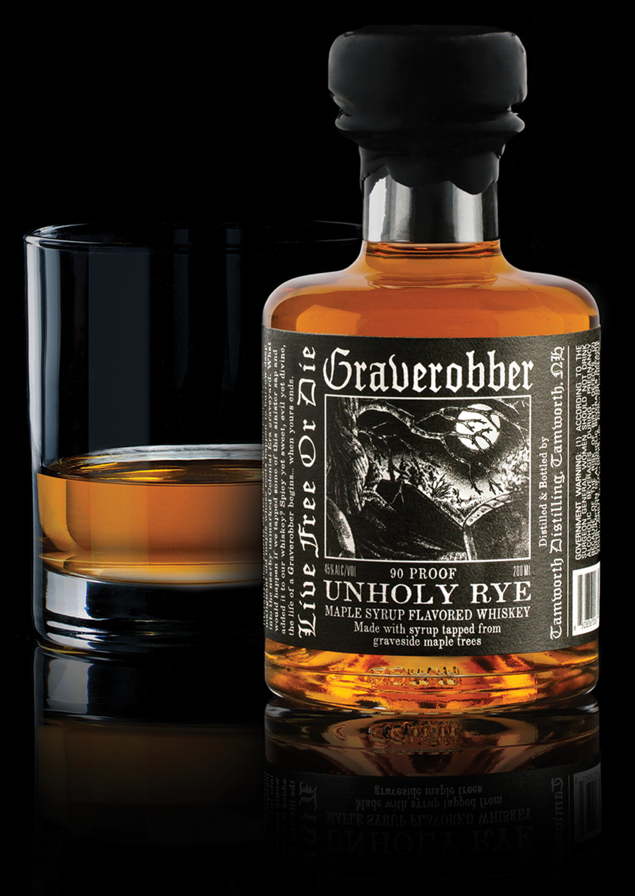 Graverobber Bottle and Pour
